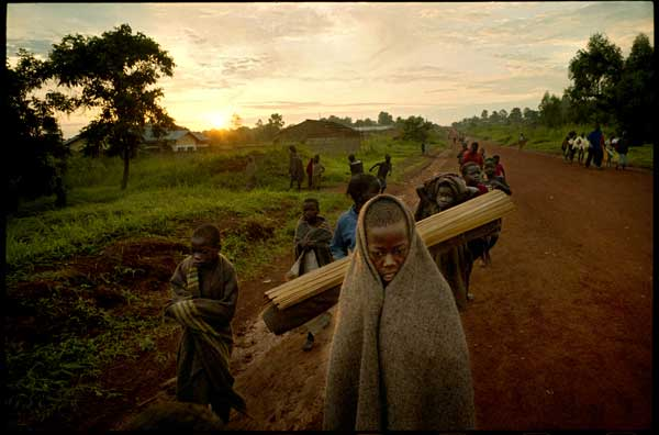 "The ""Night Commuters"": Uganda forgotten children of war@2005 Bruno Stevens"